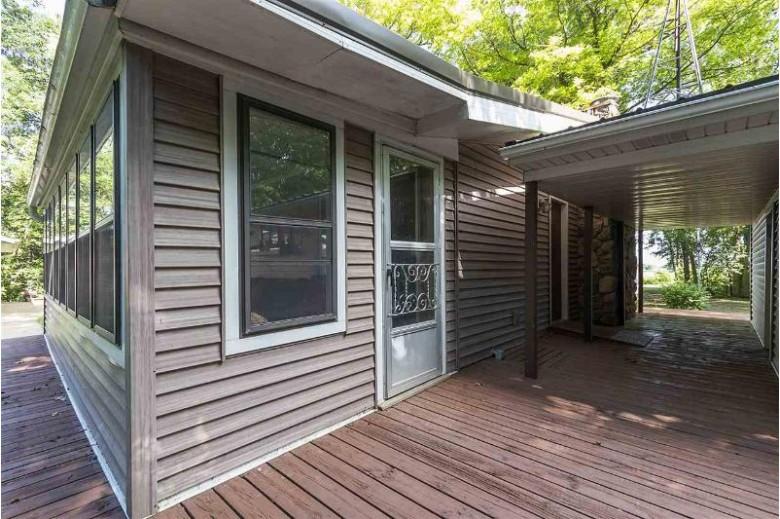 2104 Springbrook Road, Omro, WI by Keller Williams Green Bay $150,000