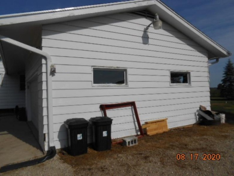 W498 Hwy D, Berlin, WI by First Weber Real Estate $75,000