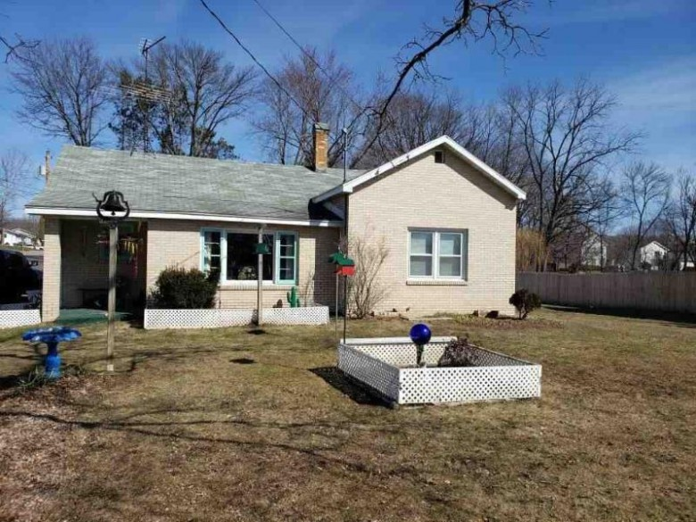 146 Linn St Baraboo, WI 53913 by First Weber Real Estate $129,900