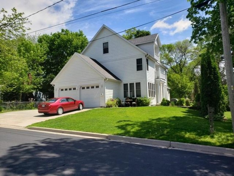 118 S Ferry Dr Lake Mills, WI 53551 by Re/Max Property Shop $439,000