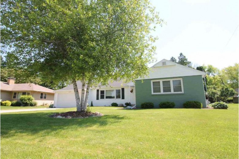 433 Seminole Rd Janesville, WI 53545 by Briggs Realty Group, Inc $238,500