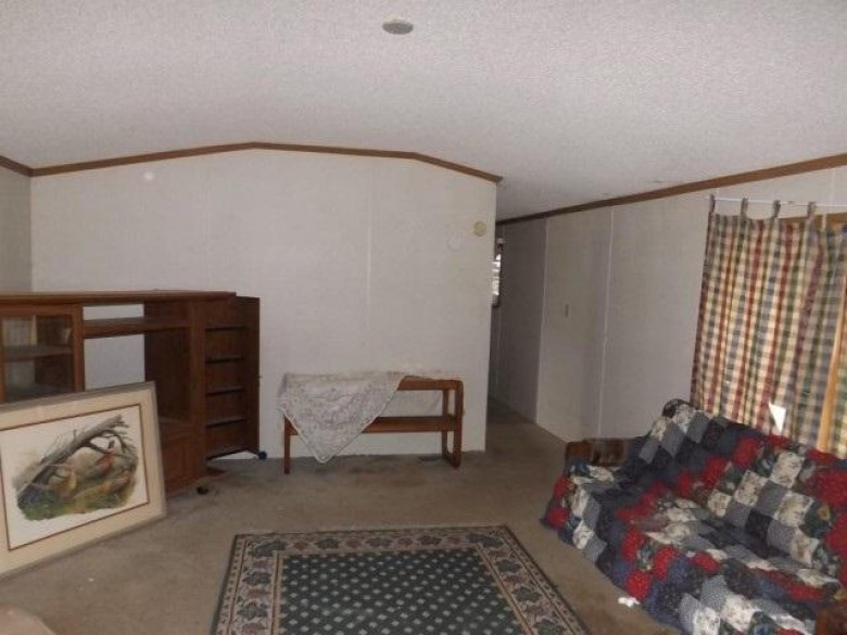 W1124 Oak Glen Cir, Lyndon Station, WI by Realhome Services And Solutions, Inc. $49,500
