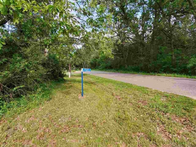 E10066 Shady Lane Rd Reedsburg, WI 53959 by Stark Company, Realtors $49,900