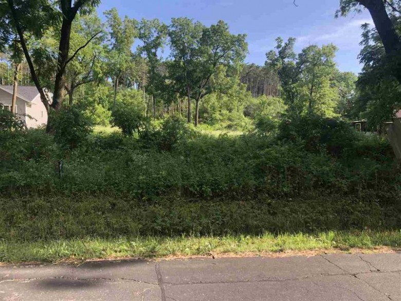 925 Russell Rd, Janesville, WI by Ben Rein Realty $49,900