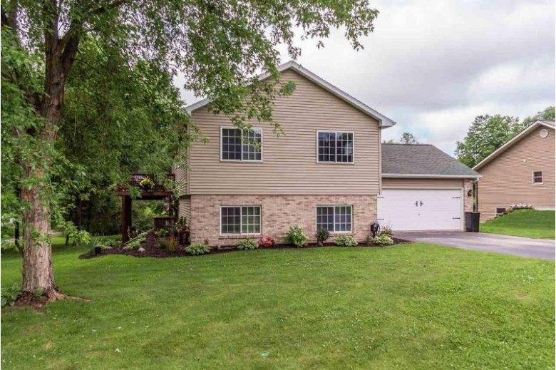 E9389 Magnolia Ct, Wisconsin Dells, WI by First Weber Real Estate $309,900