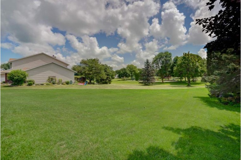 923 Thomas Dr Sun Prairie, WI 53590 by Re/Max Preferred $325,000