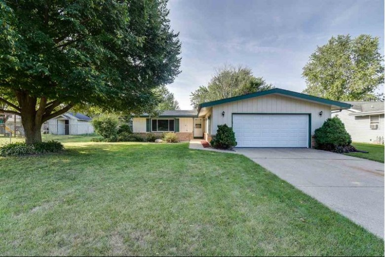 609 Hemphill Ave, Edgerton, WI by Realty Executives Cooper Spransy $184,900