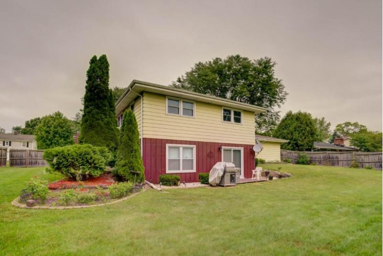 5755 Pembroke Dr, Fitchburg, WI by Exp Realty, Llc $349,900