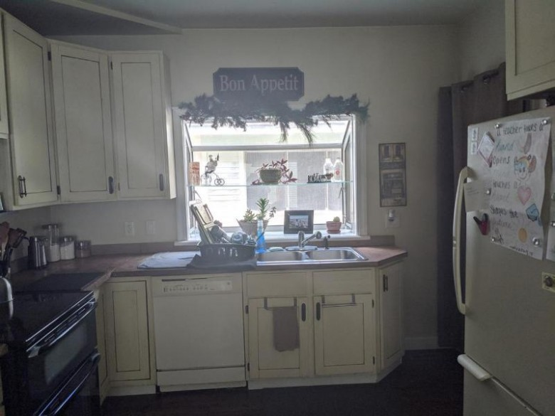 709 Yuba St, Janesville, WI by Platner Realty $139,900