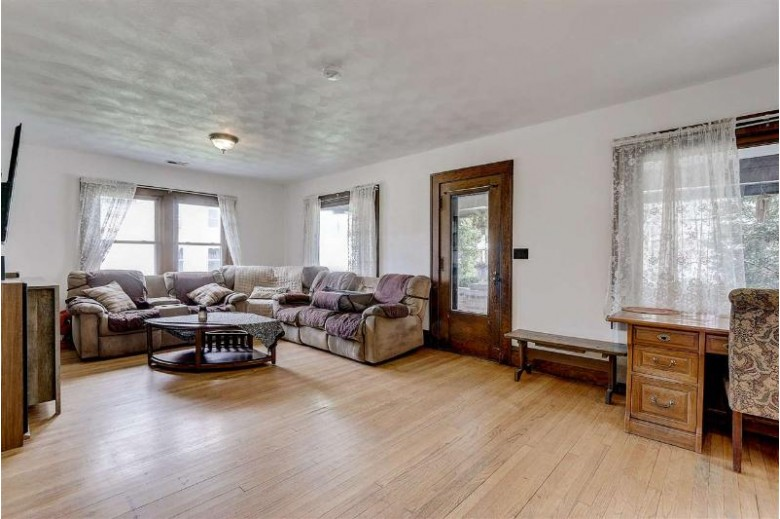 109 N Pearl St, Janesville, WI by Century 21 Affiliated $159,000