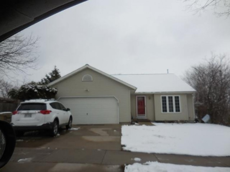 2801 Foxwood Tr, Madison, WI by Re/Max Preferred $270,000