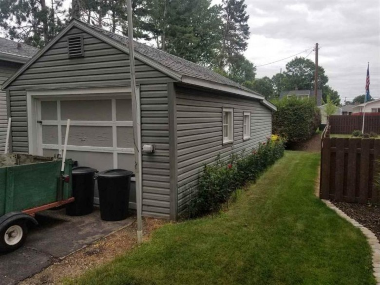 421 15th Street South, Wisconsin Rapids, WI by Zurfluh Realty Inc. $79,900
