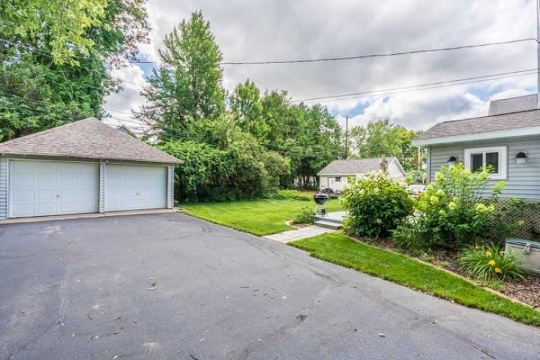 1211 Prospect Avenue Wausau, WI 54403 by Amaximmo Llc $140,000