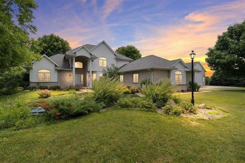 W8265 Pine View Court Hortonville, Village Of, WI 54944 by Non-Mls Office $499,900