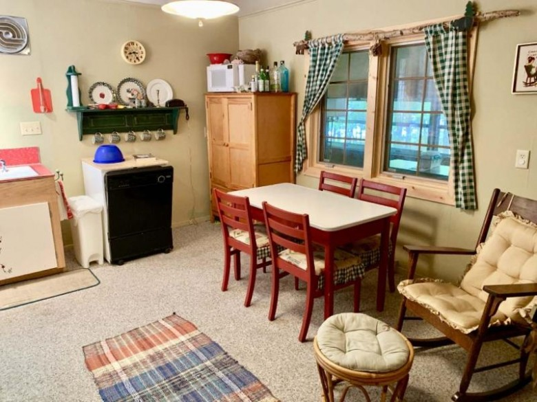 1060 Circle Dr, Lincoln, WI by Coldwell Banker Mulleady-Er $569,000