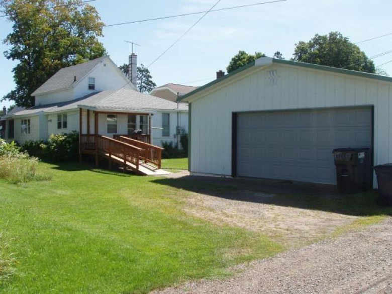 328 6th Ave S, Park Falls, WI by Birchland Realty, Inc - Park Falls $36,900