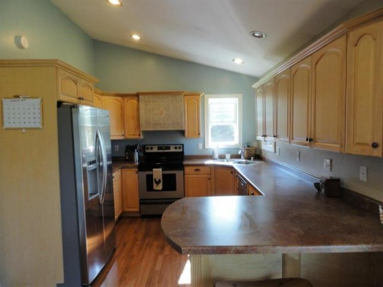 2123 Theiler Dr Tomahawk, WI 54487 by Re/Max Property Pros - Tomahawk $190,000