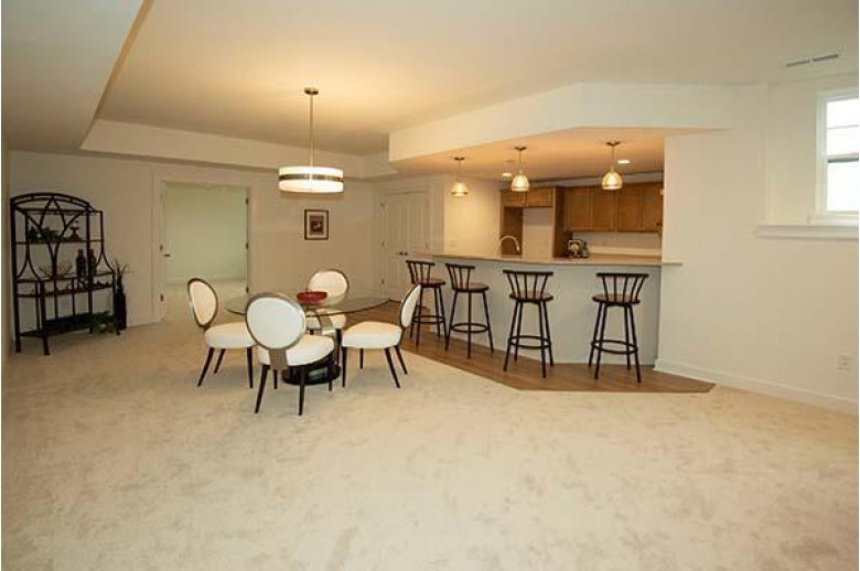 W49N8108 Tanager Ct Cedarburg, WI 53012 by First Weber Real Estate $715,000