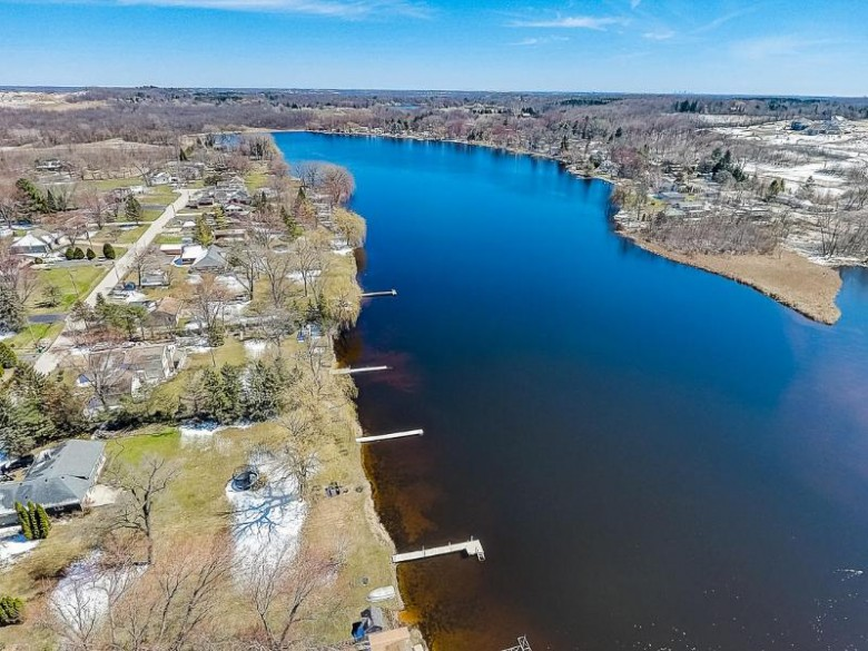3513 North Shore Dr, Hubertus, WI by Homestead Advisors $147,500