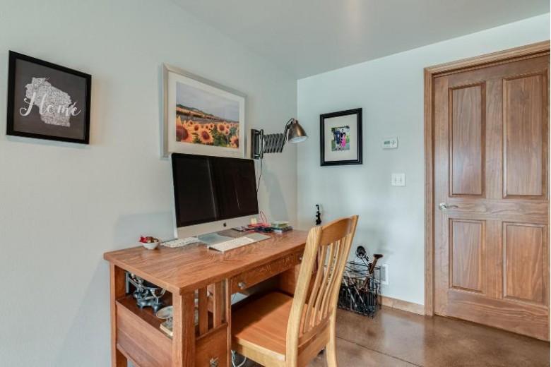 3510 Howell Oaks Dr, Waukesha, WI by Brookfield Realty Co.,inc. $469,900