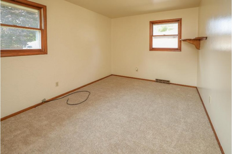 4020 Taylor Ave Racine, WI 53405-4710 by Berkshire Hathaway Homeservices Metro Realty-Racin $155,000