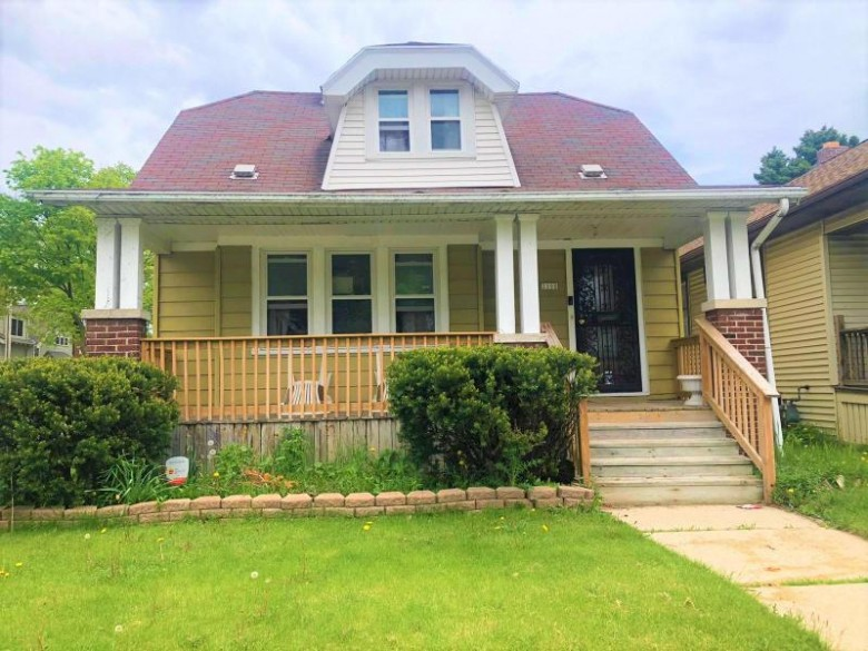 2190 N 55th St Milwaukee, WI 53208 by Coldwell Banker Homesale Realty - Franklin $166,900