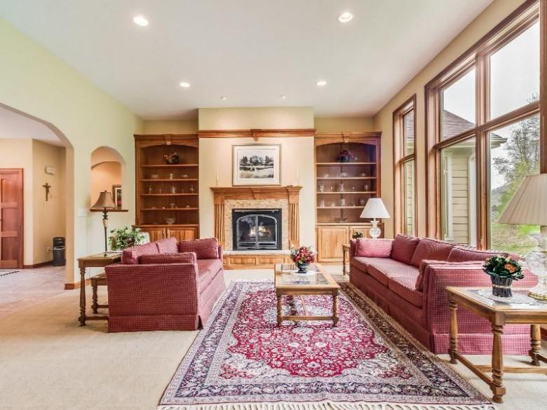 4546 Stone Bridge Rd, La Crosse, WI by Re/Max Results $499,900
