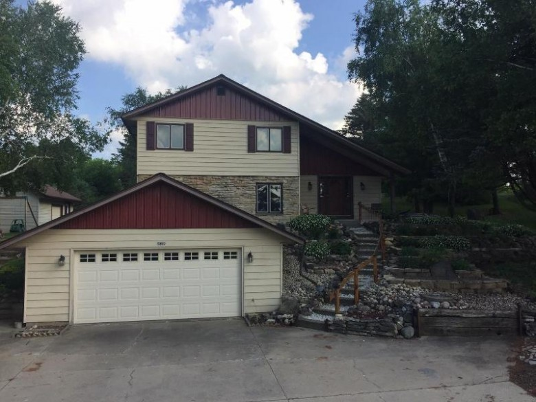 4895 Beaver Dam Rd, West Bend, WI by Alliance Real Estate Group, Llc $275,000
