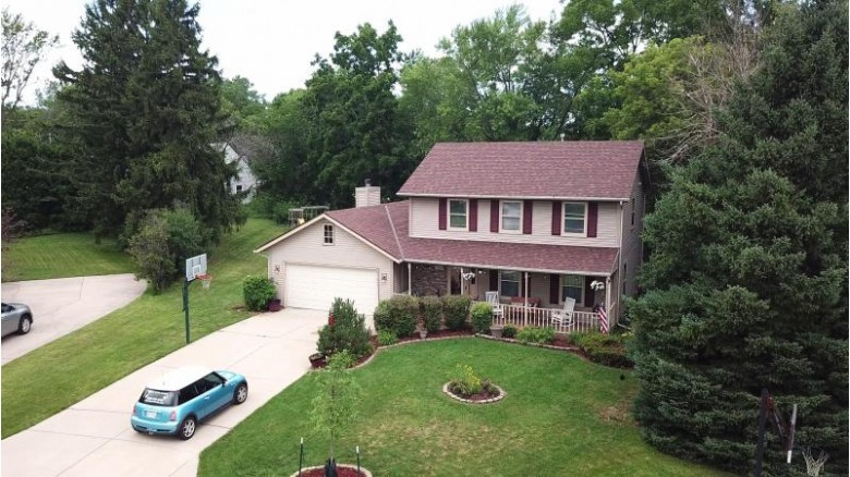11532 W Janet Ct Franklin, WI 53132 by First Weber Real Estate $349,000