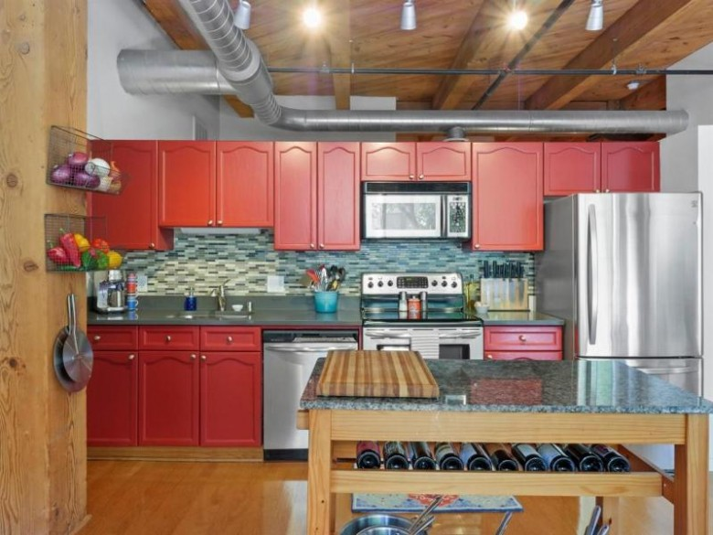 234 E Reservoir Ave 203, Milwaukee, WI by Keller Williams-Mns Wauwatosa $240,000
