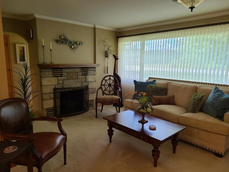 7607 S Loomis Rd Waterford, WI 53185-2063 by Keefe Real Estate, Inc. $249,900