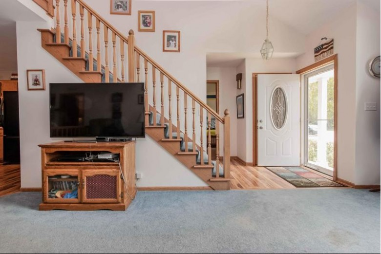 N58W24558 Clover Dr Sussex, WI 53089 by First Weber Real Estate $335,000