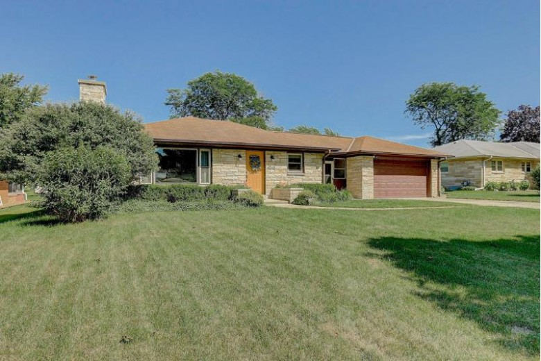 4548 N 108th St Wauwatosa, WI 53225-4534 by First Weber Real Estate $234,900