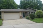 N40W5516 Wilshire Dr Cedarburg, WI 53012-2529 by First Weber Real Estate $240,000