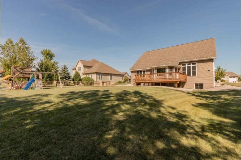1827 Highland Dr Neenah, WI 54956-9687 by First Weber Real Estate $435,000