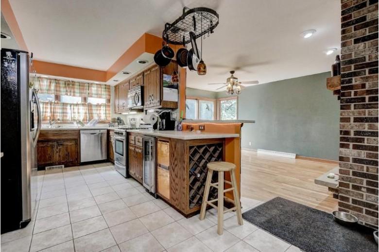 2040 Creek Ridge Dr Racine, WI 53402-1538 by Berkshire Hathaway Homeservices Metro Realty-Racin $225,000