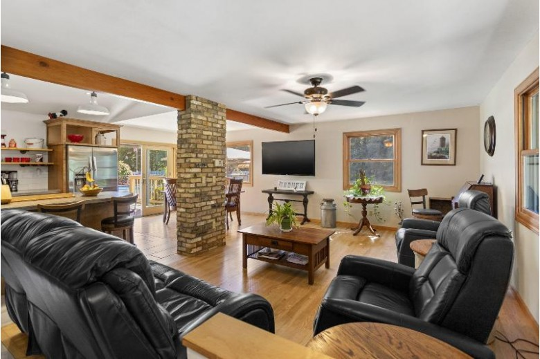 W299N6454 County Road E Hartland, WI 53029 by Redefined Realty Advisors Llc $449,900