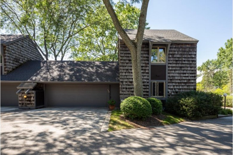 148 Lakefield Ct 148, Wind Point, WI by First Weber Real Estate $229,000