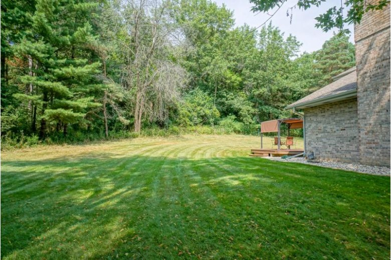 S14W32708 Forest Hills Dr, Delafield, WI by Lake Country Flat Fee $469,900