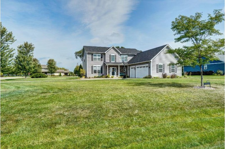 472 Ashley Dr, Williams Bay, WI by Re/Max Plaza $449,900