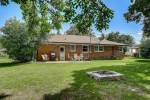 7830 W Allerton Ave Greenfield, WI 53220-3314 by Re/Max Market Place $187,000