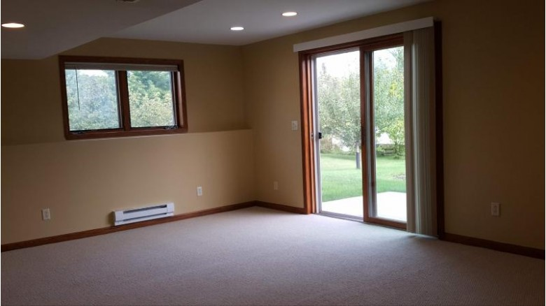 1370 Valley View Rd Hartford, WI 53027-9277 by Allied Realty Group Llc $354,900