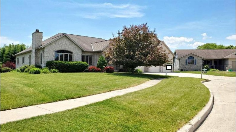 4311 Springfield Ct, Manitowoc, WI by Non Mls $369,900