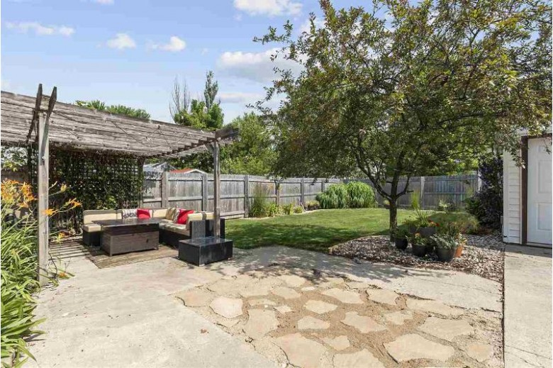 442 E Columbian Avenue Neenah, WI 54956 by Century 21 Ace Realty $199,900