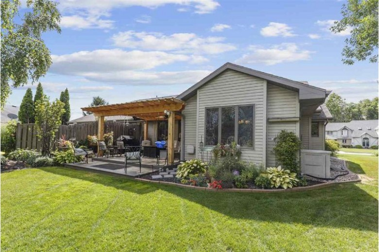 2682 N Millbrook Road Appleton, WI 54914 by Beckman Properties $250,000