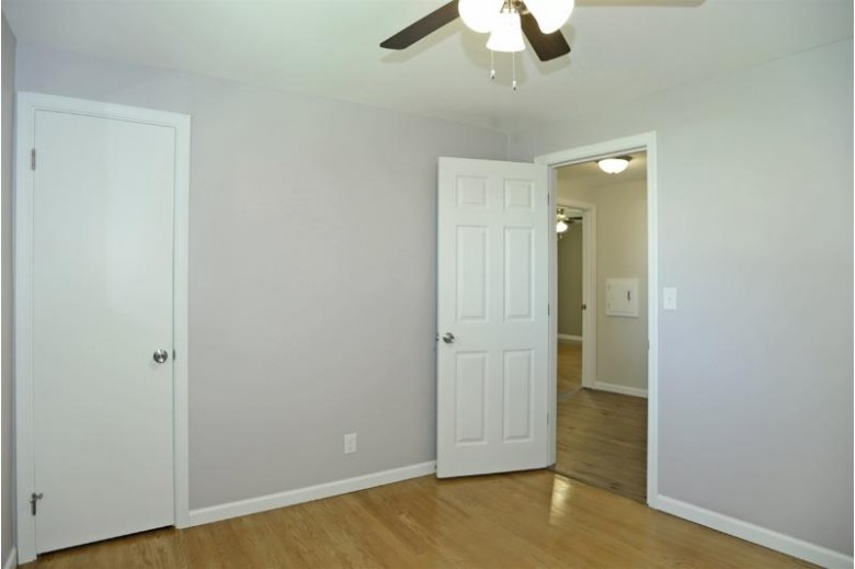 520 Quarry Lane Neenah, WI 54956-4145 by Century 21 Affiliated $199,900