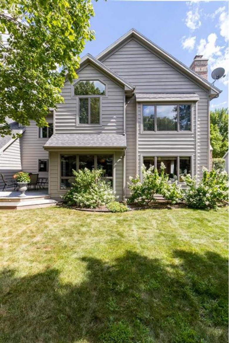 3533 N Winterset Drive, Appleton, WI by Coldwell Banker Real Estate Group $414,900