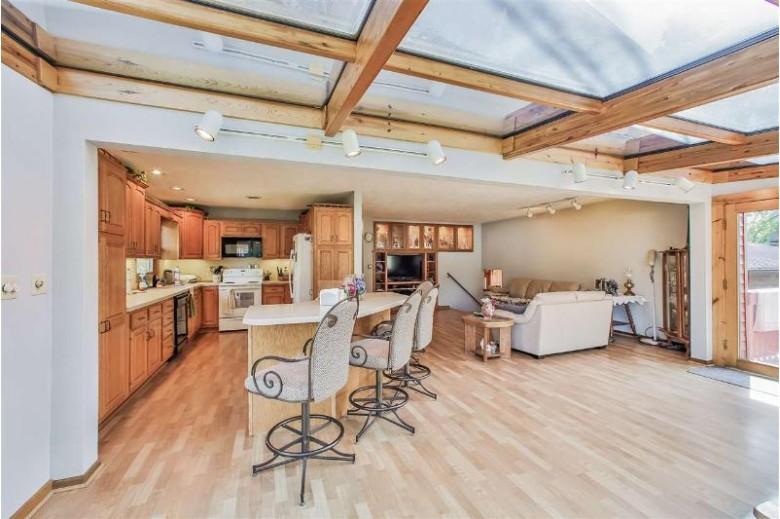 423 N Main St Pardeeville, WI 53954 by Stark Company, Realtors $219,900