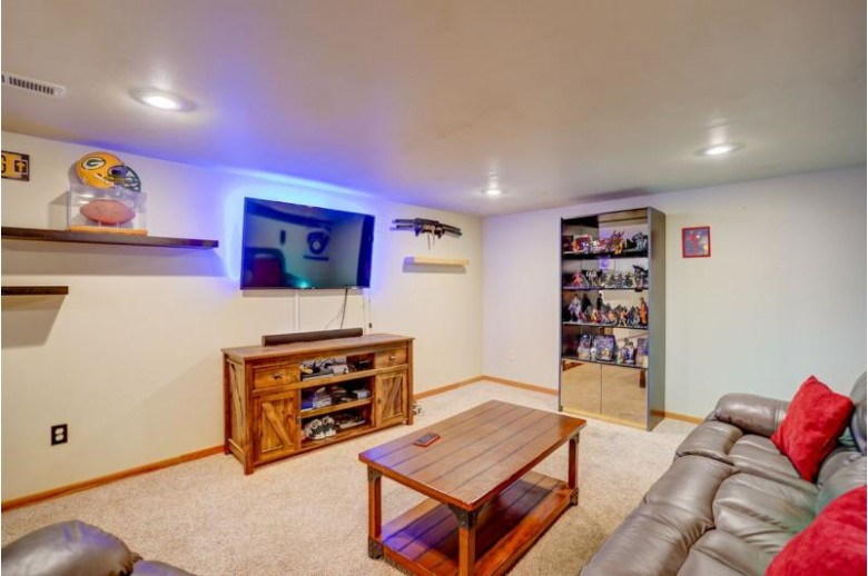 1037 Bay Ridge Rd, Madison, WI by Re/Max Preferred $275,000