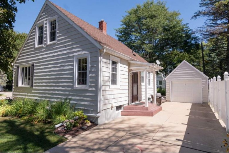 503 Chamberlain St, Edgerton, WI by Pat'S Realty Inc $199,900